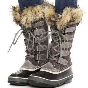 Sorel Women's Joan of the Artic Fur trim Snowboots